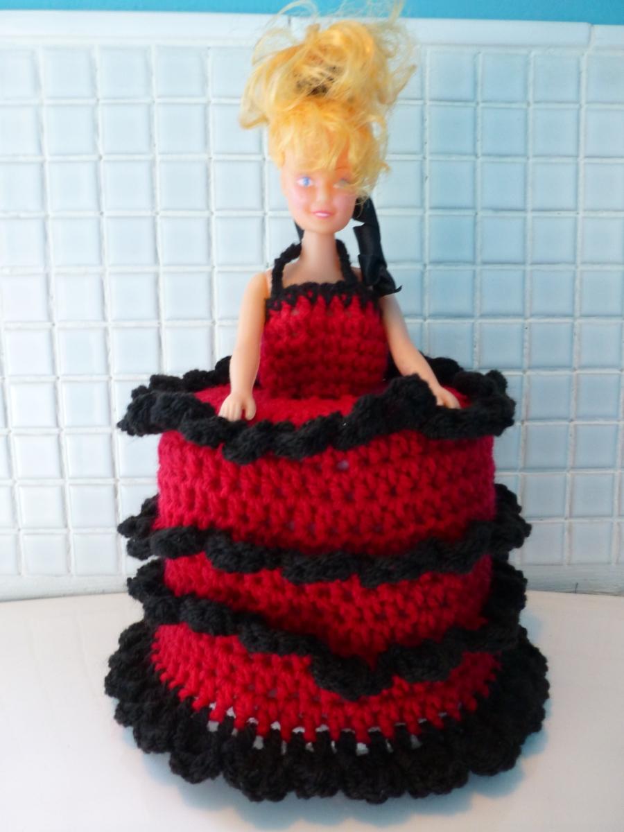 Crochet toilet roll doll